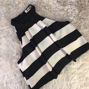 DO+BE Black & White Pleated Crop Top Small